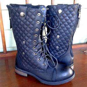 Shoedazzle violette women's boot size 6